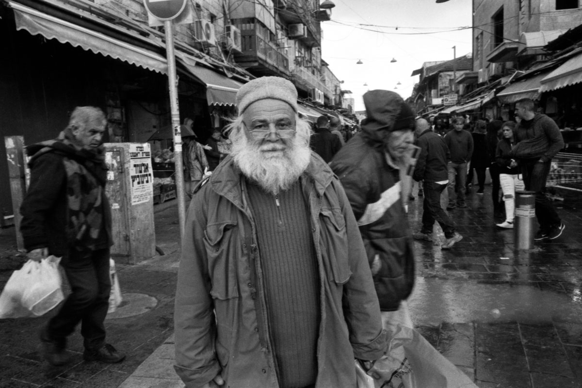 Rainy day in Jerusalem with Ricoh GR1s and ilford HP5 (part i)