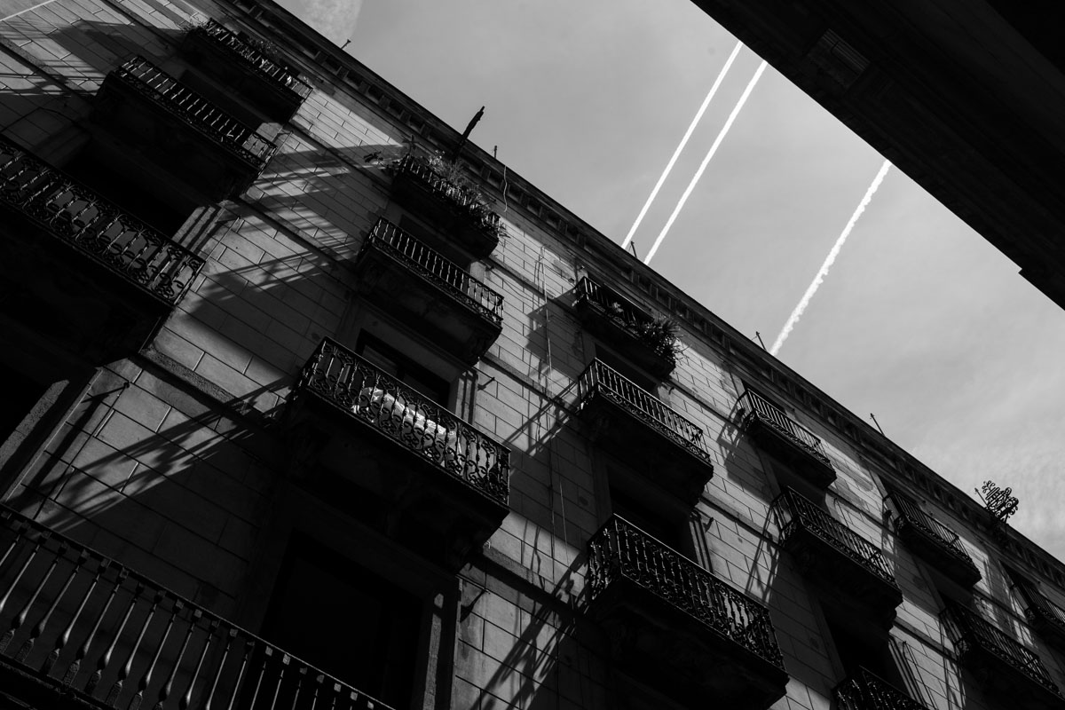 Barcelona 2017 - urban city black and white geometry