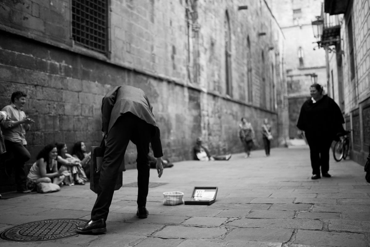 Barcelona 2017 - street life without color spots