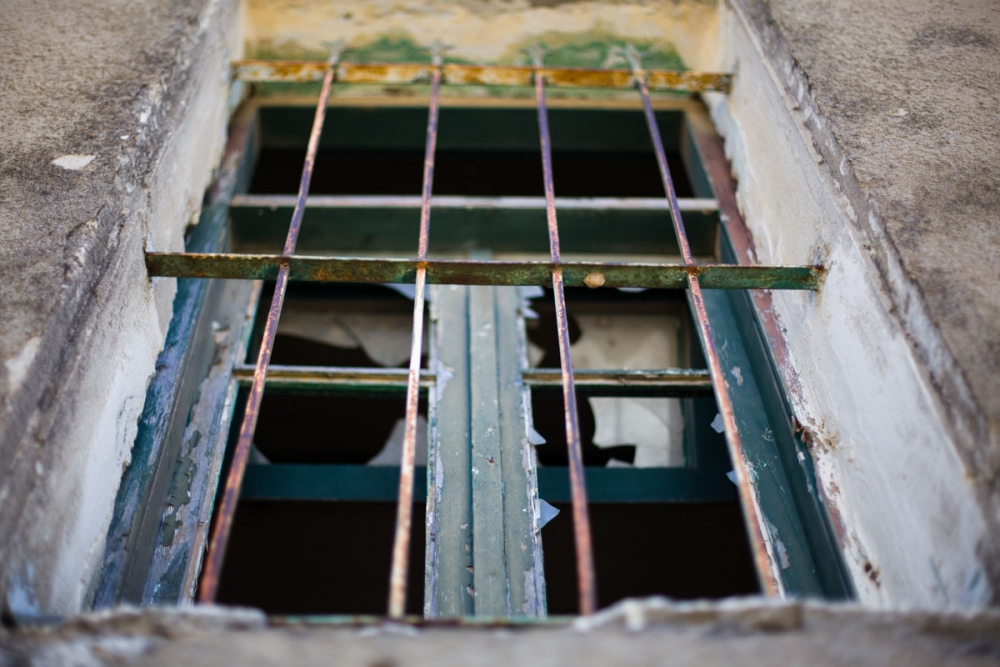 abandoned_window