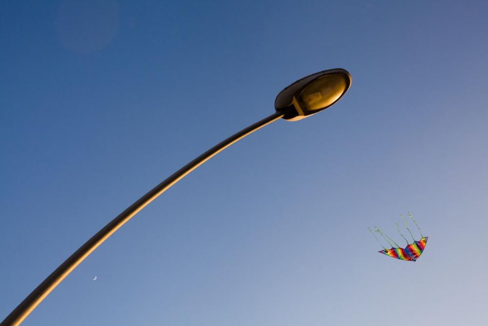 kite_and_lamp