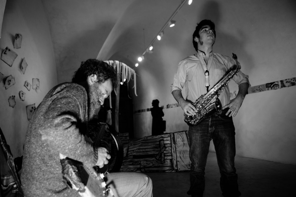 music_in_cave