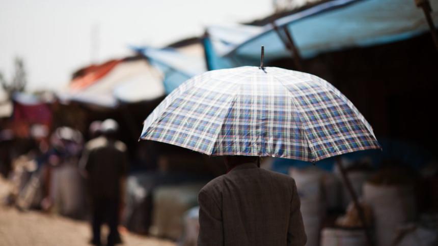 Ethiopia_Bahardar_market_walk_Victor_Bezrukov_2015-Umbrellas-5