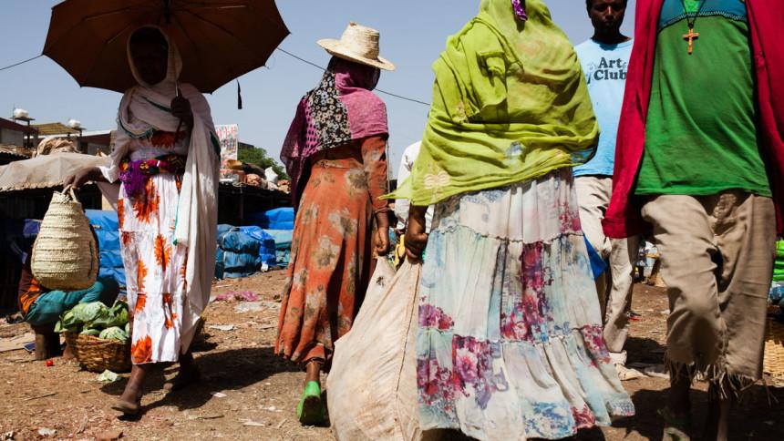 Ethiopia_Bahardar_market_walk